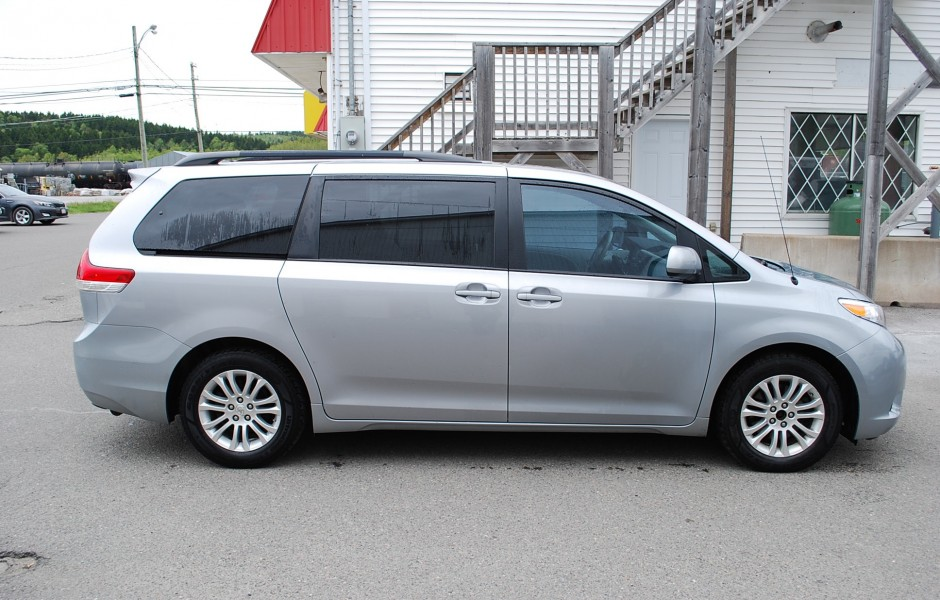 used 2011 toyota sienna xle for sale in saint john nb. Black Bedroom Furniture Sets. Home Design Ideas